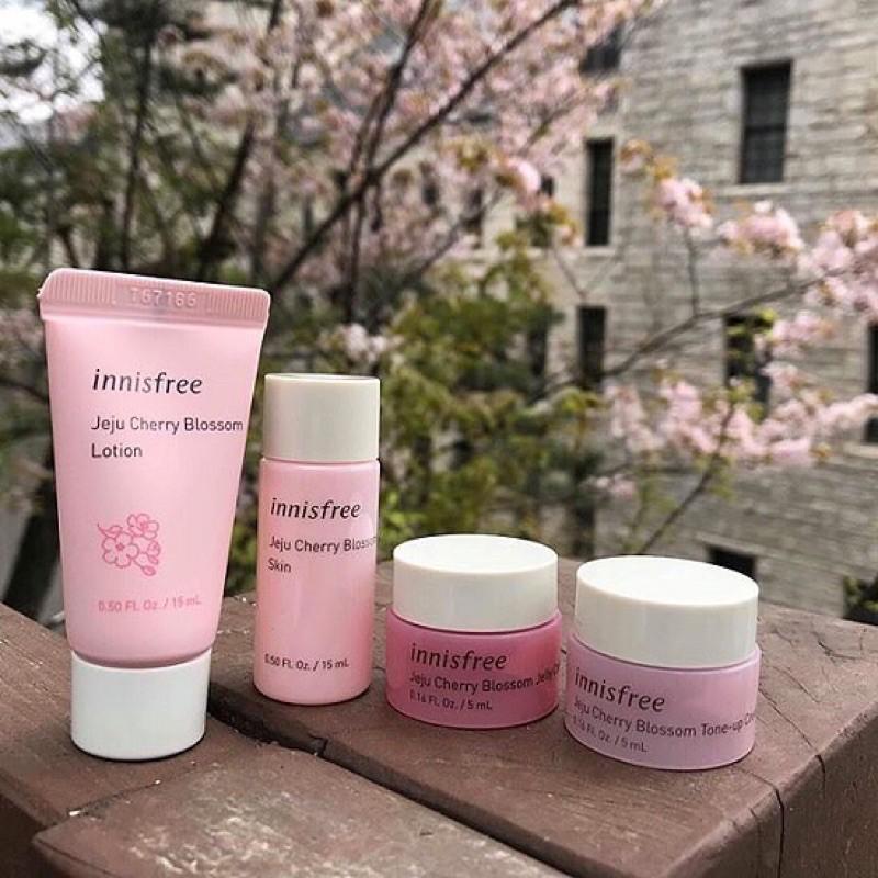 Set Dưỡng Da Innisfree Jeju Cherry Blossom Special Kit 4 Món Mini