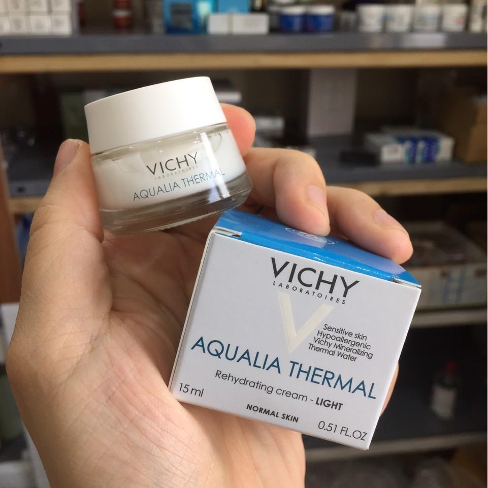 Kem Dưỡng Vichy Aqualia Thermal Rehydrating Cream-Light 15ml