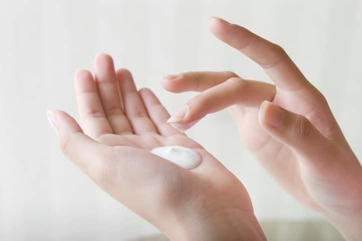 Tinh Chất Chống Nắng Anessa Moisture UV Suncreen Mild Milk 60Ml