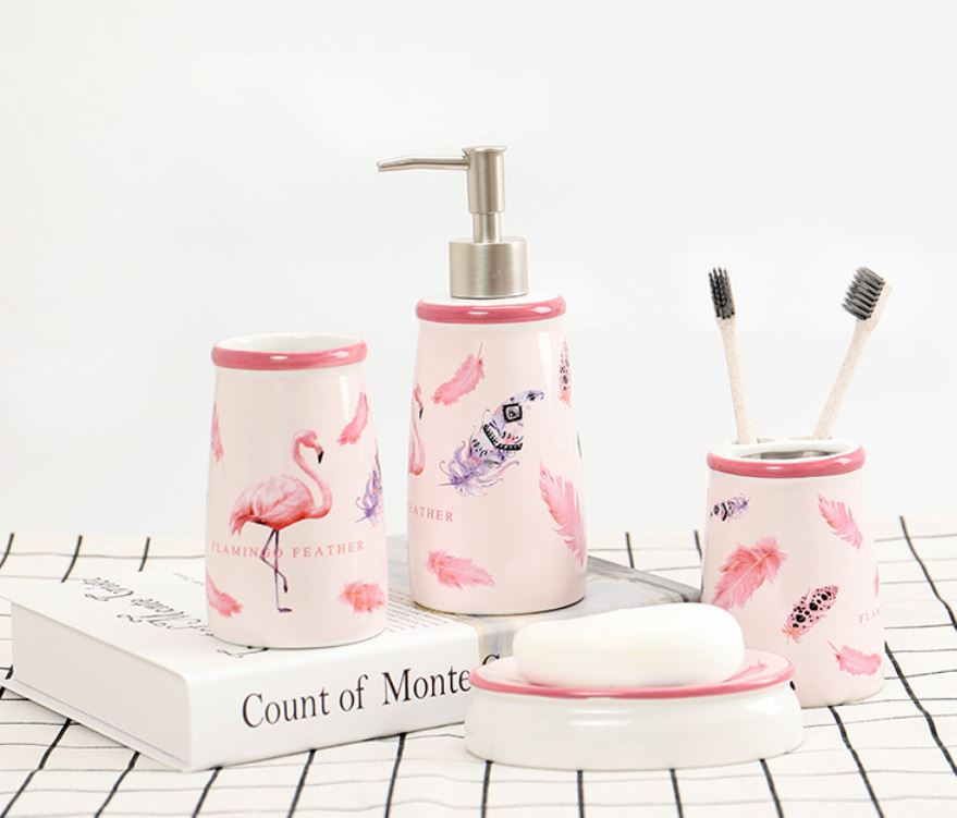 Bộ phòng tắm hình chim hạc hồng