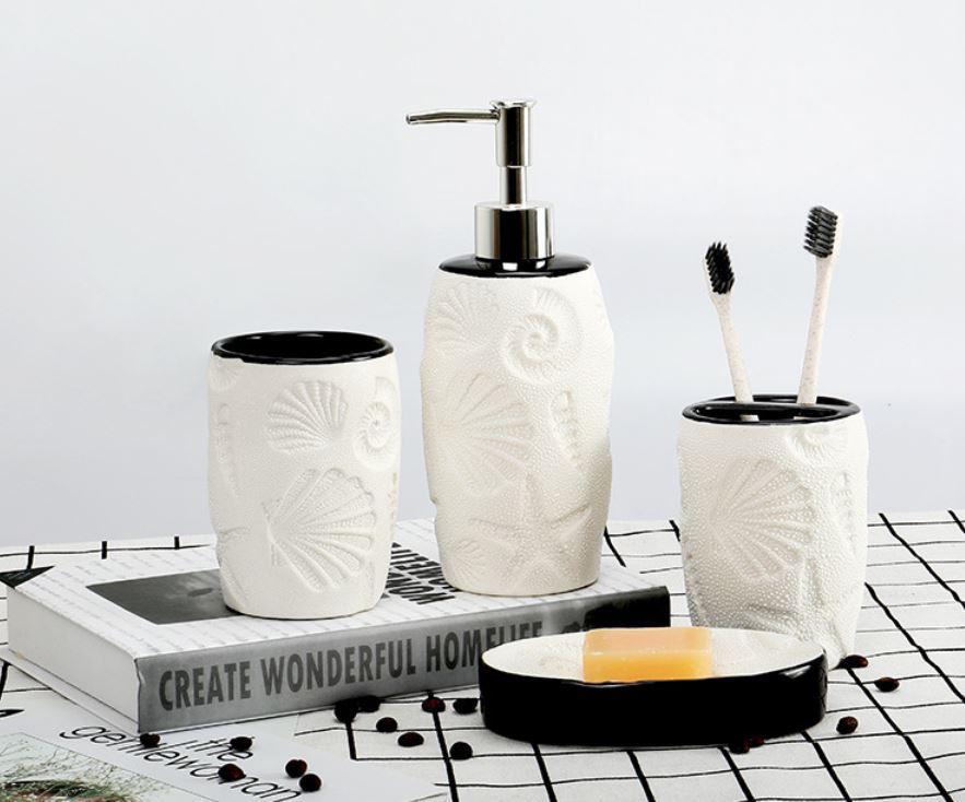 Bộ phòng tắm trắng đen