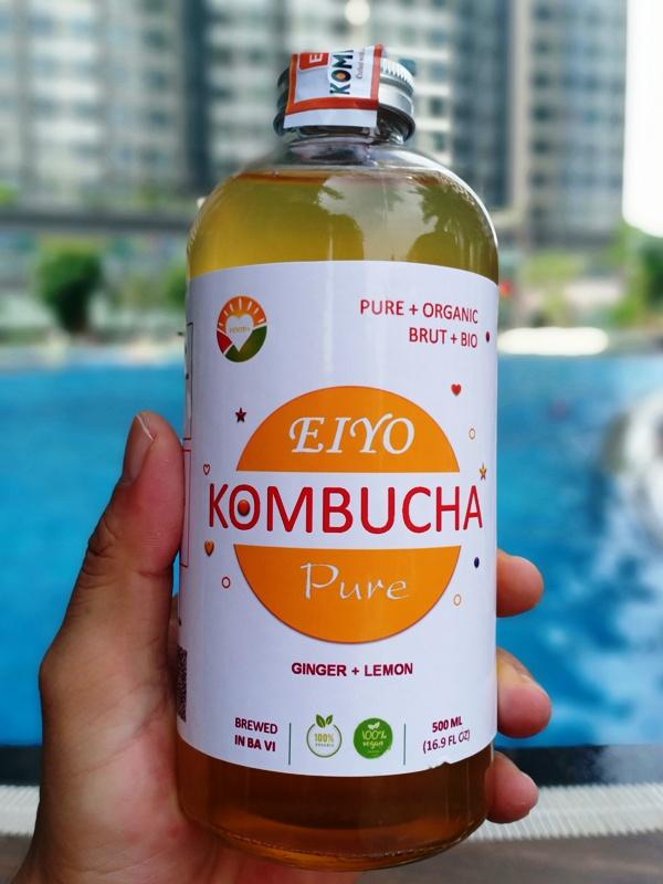 Trà EIYO KOMBUCHA PURE - Nguyên vị tự nhiên với nguyên liêu Organic, được lên men thủ công Truyền thống tại Núi Ba Vì.