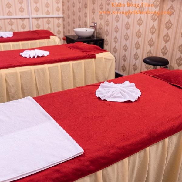 Khăn trải giường spa màu đỏ đô