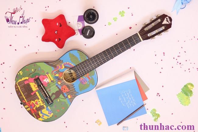 (Mua guitar cho trẻ đúng kích cỡ)