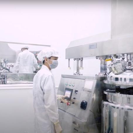 Ảnh nhân sự nhà máy sản xuất mỹ phẩm Cicadium