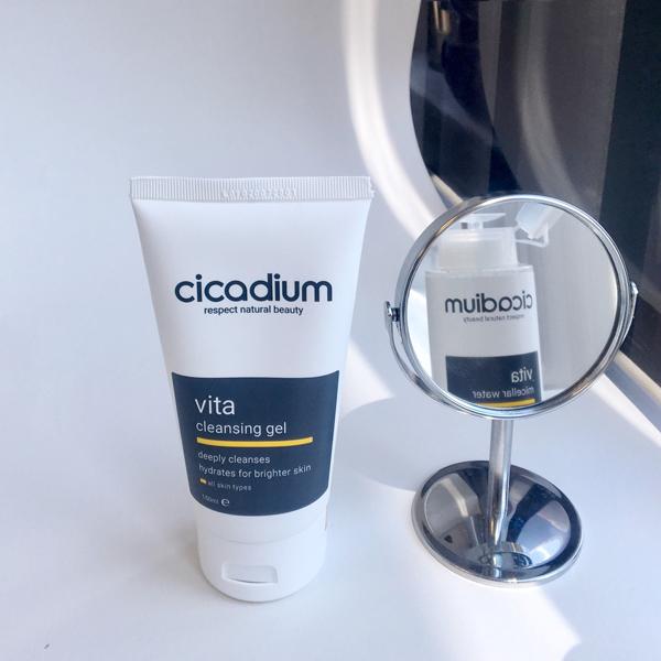 Sữa rửa mặt lành tính, dịu nhẹ dùng cho mọi loại da kể cả da nhạy cảm