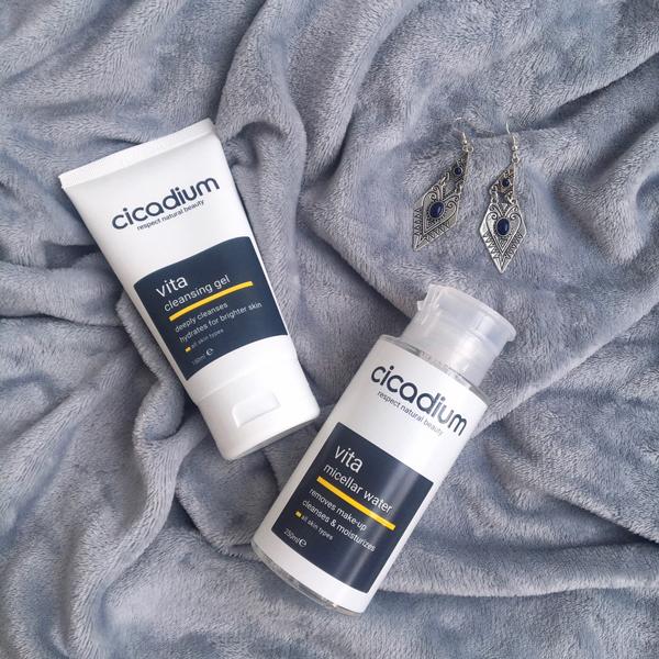 Bộ đôi làm sạch tẩy trang dịu nhẹ, sửa rửa mặt cho mọi loại da của Cicadium