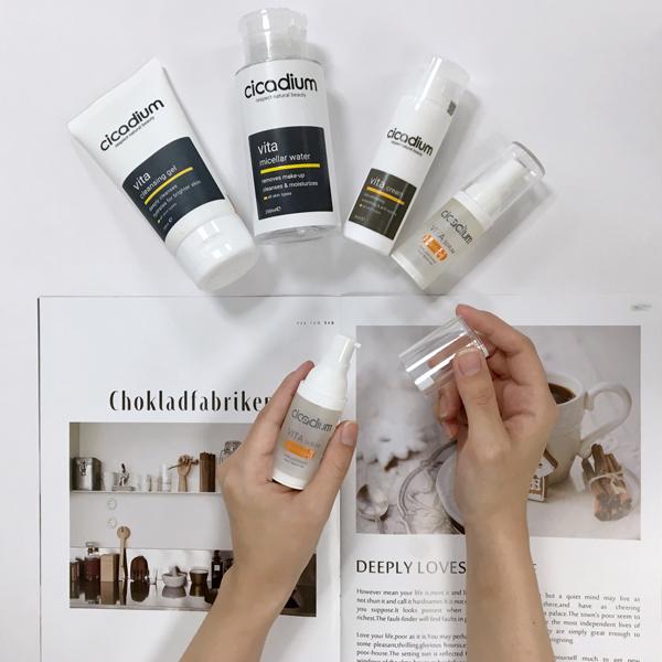 Cicadium Vita phục hồi tổn thương, cấp ẩm, dưỡng trắng, ngăn ngừa lão hóa.