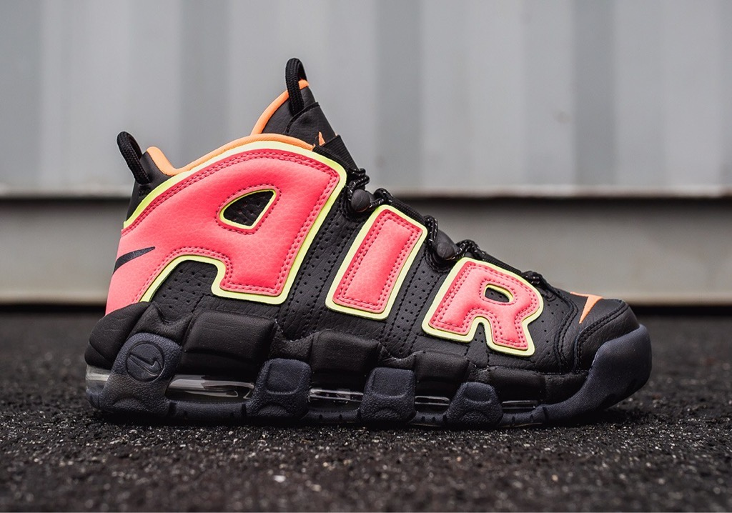 [917593-002] W NIKE AIR UPTEMPO '' HOT PUNCH VOLT ''