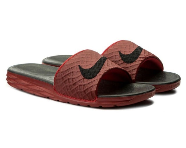 [705474-600] M NIKE BENASSI SOLARSOFT SLIDE 2 UNIVERSITY RED
