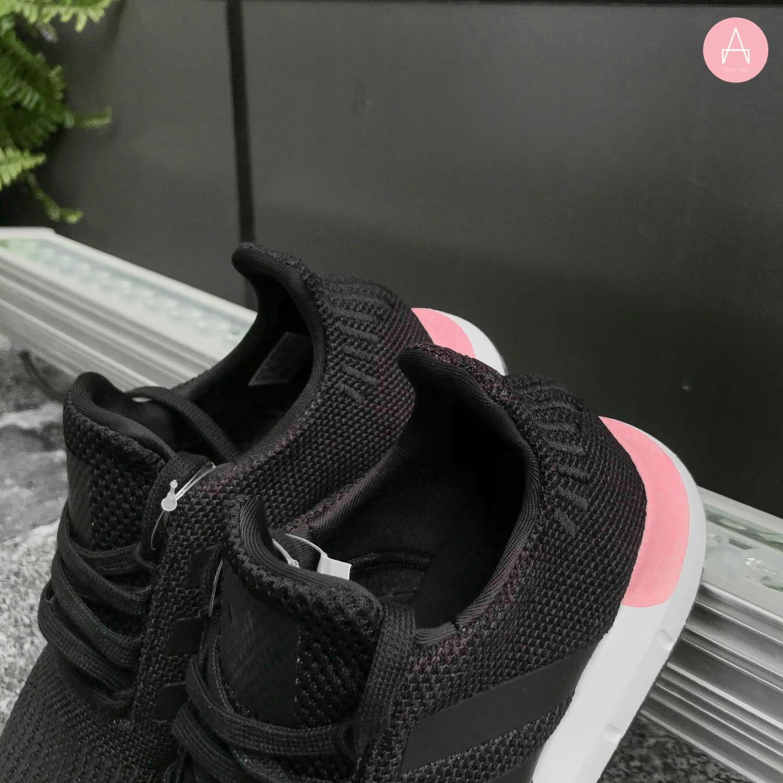 [EE4552] W ADIDAS SWIFT RUN BLACK PINK