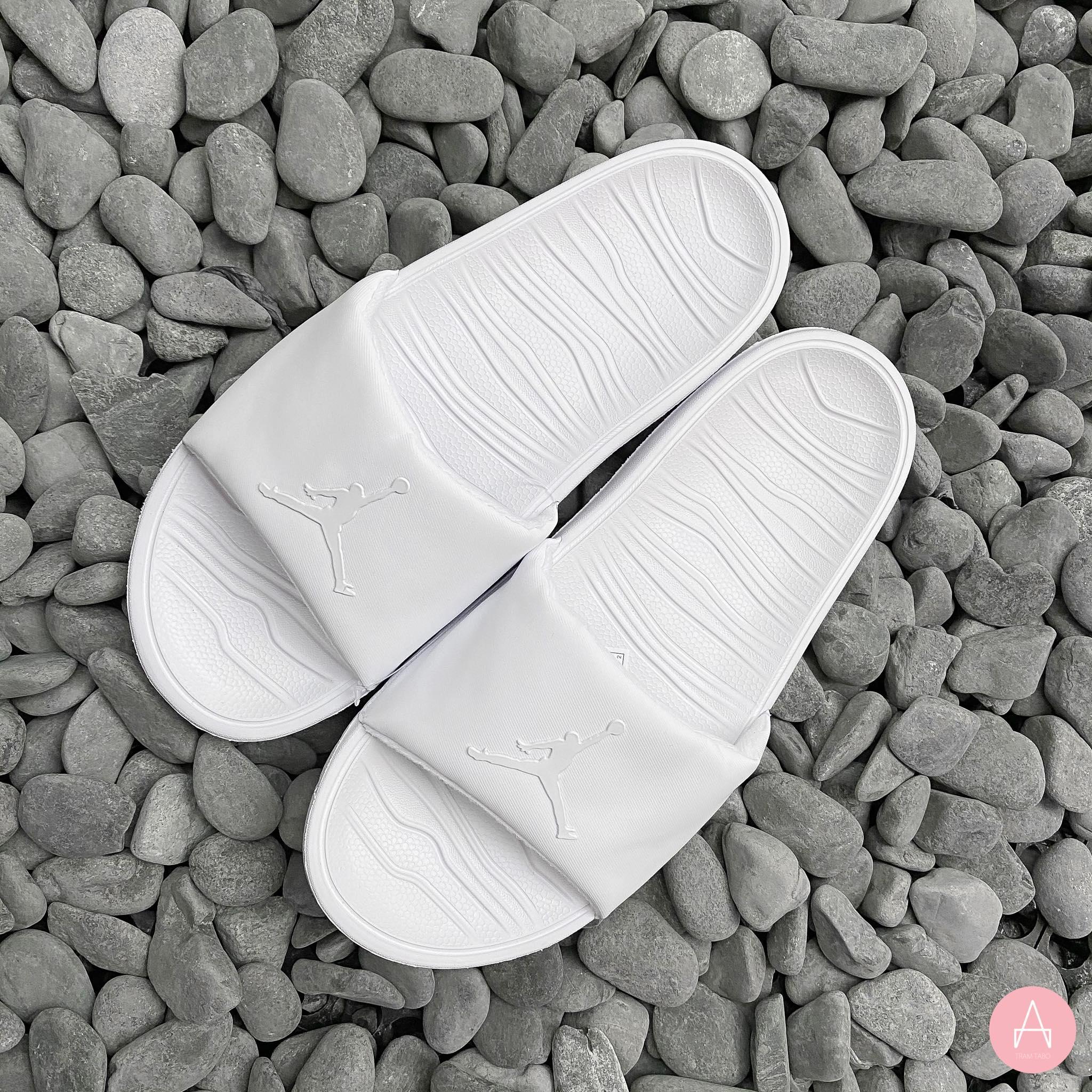 [AR6374-101] M JORDAN BREAK SLIDE WHITE/WHITE