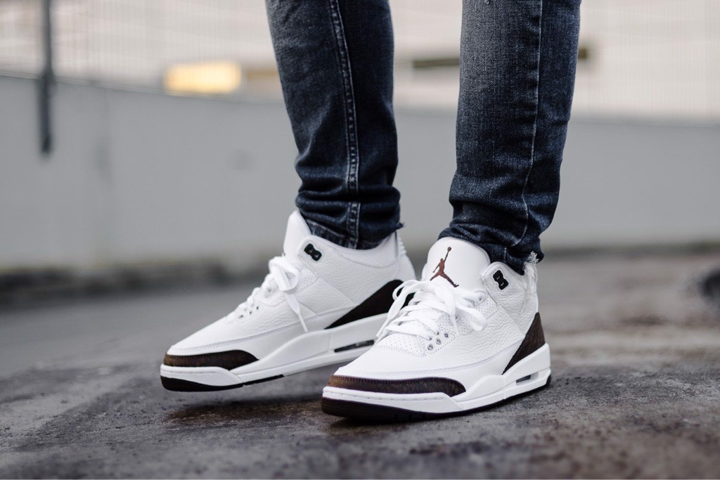 [136064-122] M NIKE AIR JORDAN 3 WHITE DARK MOCHA