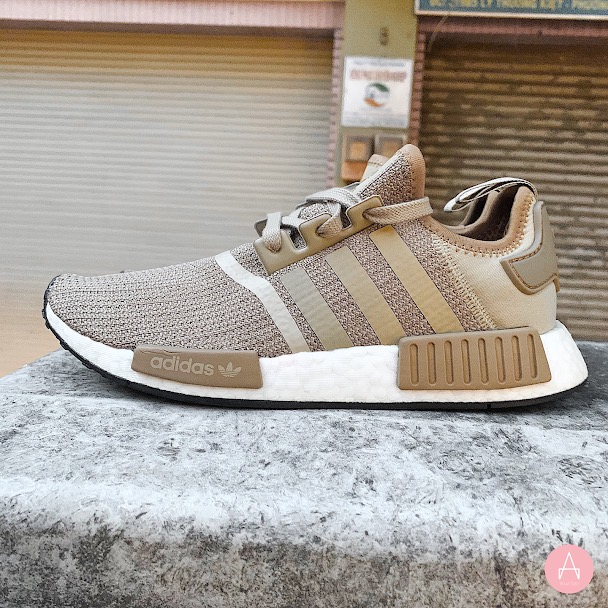 [B79760] M ADIDAS NMD R1 RAW GOLD