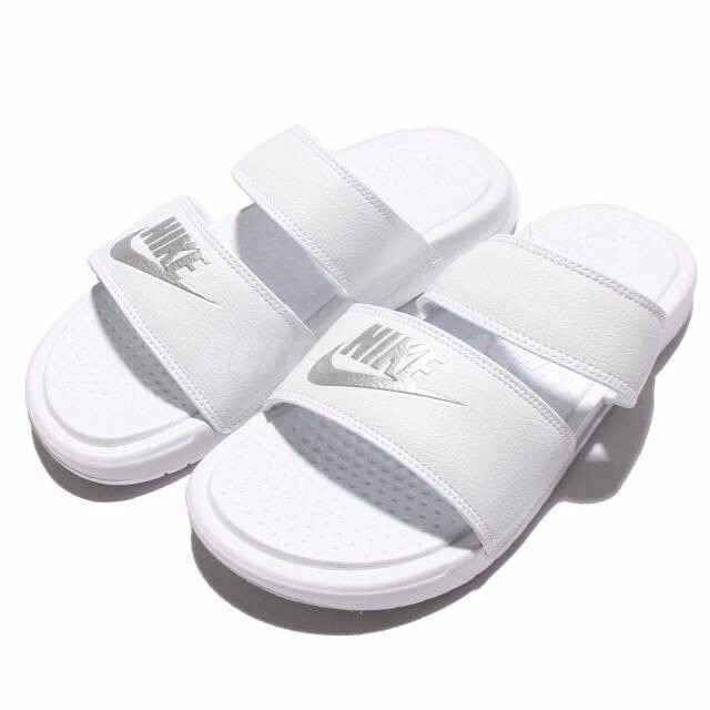 [819717-100] W NIKE BENASSI JDI DUO SLIDE ALL WHITE