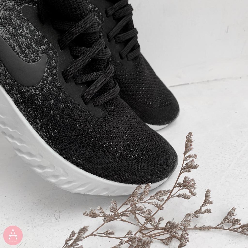 [943311-001] K NIKE EPIC REACT BLACK WHITE