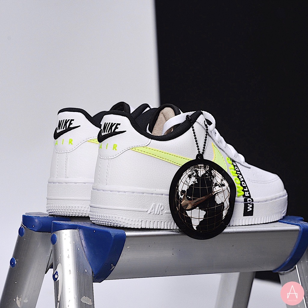 [CN8536-100] K NIKE AIR FORCE 1 LV8 1 WHITE/BAREL VOLT-BLACK