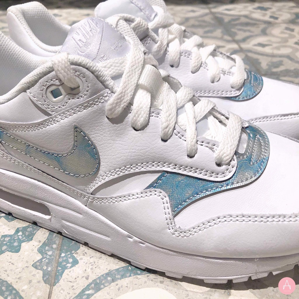 [807602-106] K NIKE AIR MAX 1 WHITE ROYAL TINT