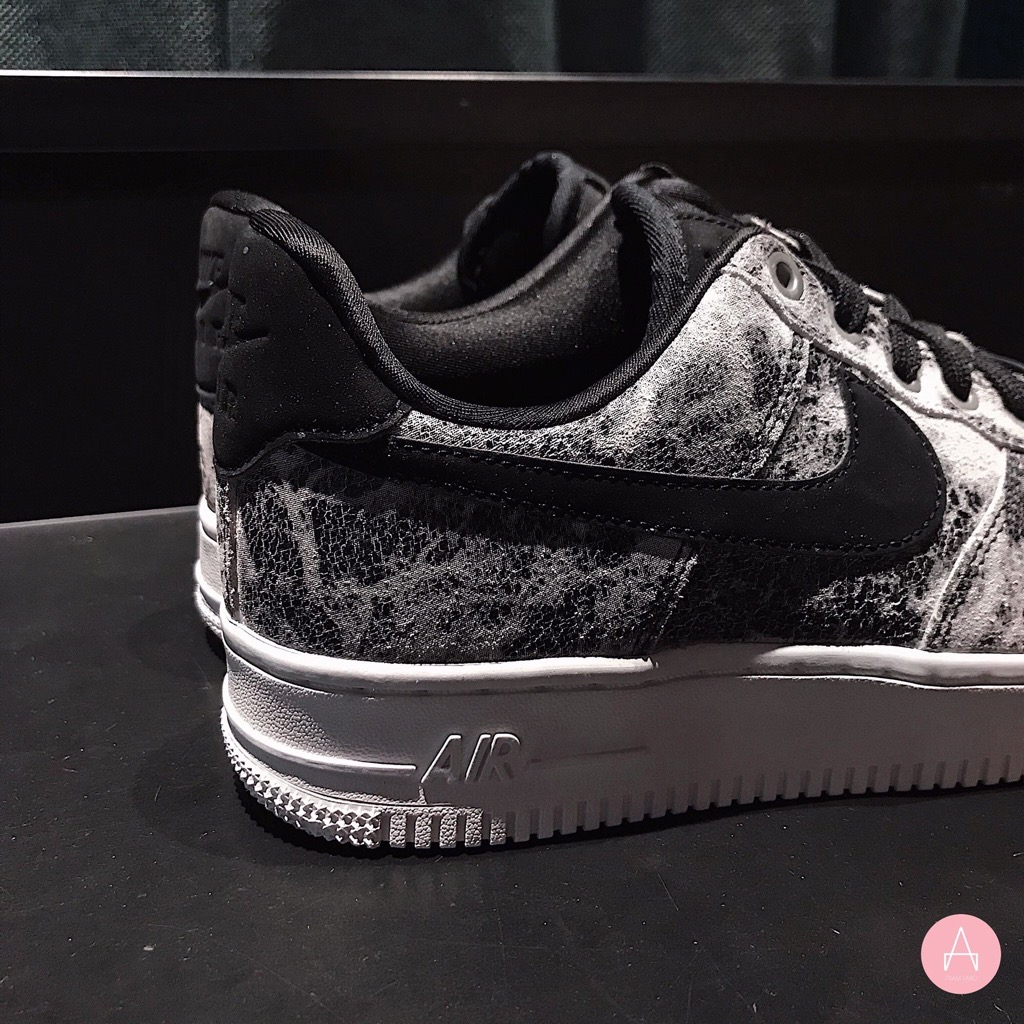 [AO1017-001] W NIKE AIR FORCE 1 LXX BLACK AND METALLIC PEWTER