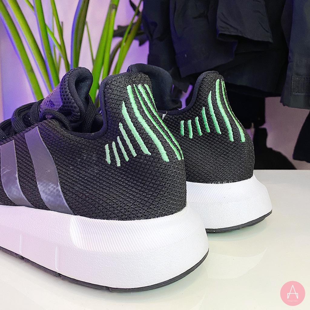 [CG4110] M ADIDAS SWIFT RUN BLACK GREEN