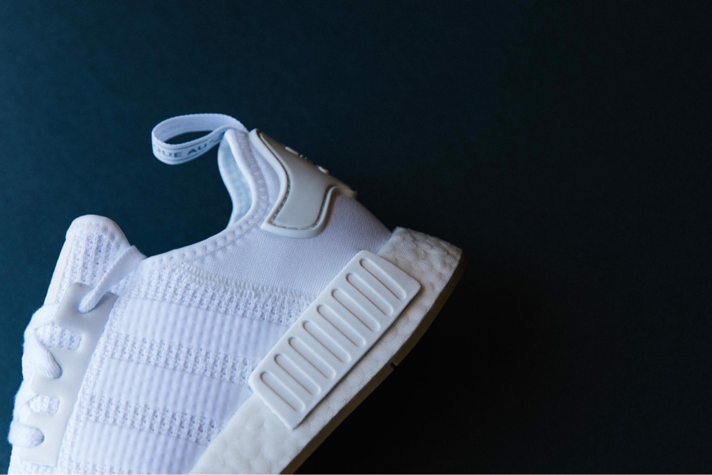 [D96635] M ADIDAS NMD R1 ALL WHITE