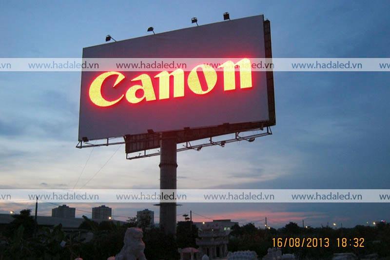Thi công biển quảng cáo tấm lớn công nghệ Led