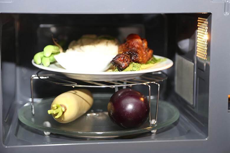 Lò vi sóng có thể dùng để nướng nhiều loại thực phẩm