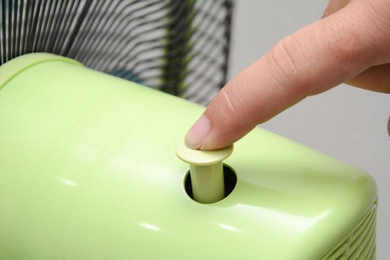Điều khiển quạt quay hoặc đứng yên bằng nút nhấn trên hộp động cơ