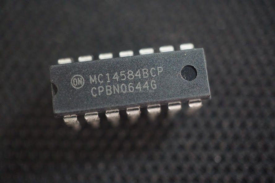 3pcs-original-hex-schmitt-trigger-mc14584bcp-14584-dip-14-new-on-semiconductor