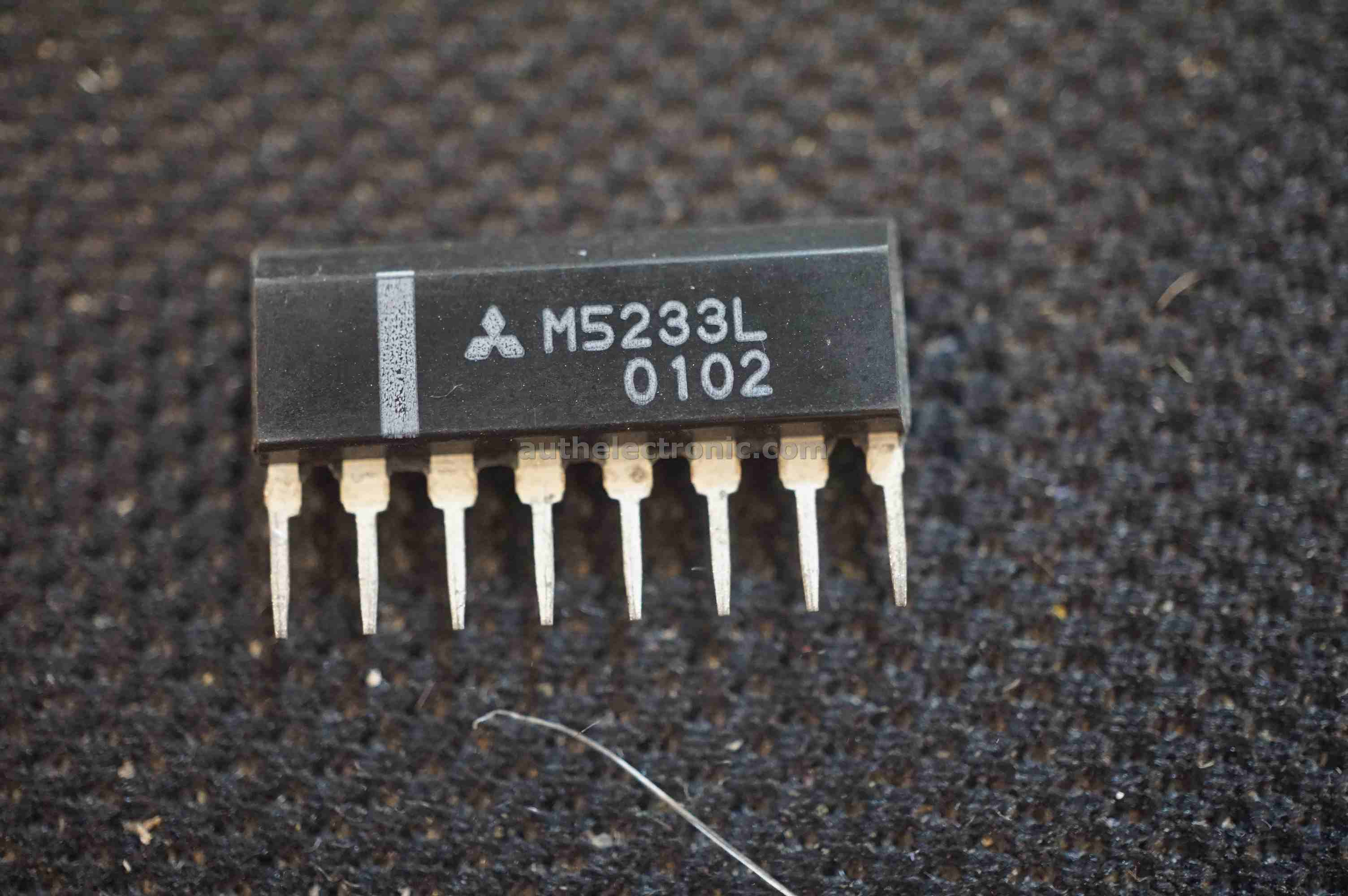 5pcs-original-dual-comparator-ic-m5233l-m5233-5233-sip-8-new-mitsubishi-electric