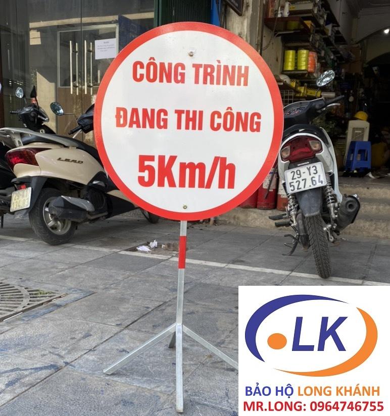 bien-bao-cong-truong-dang-thi-cong