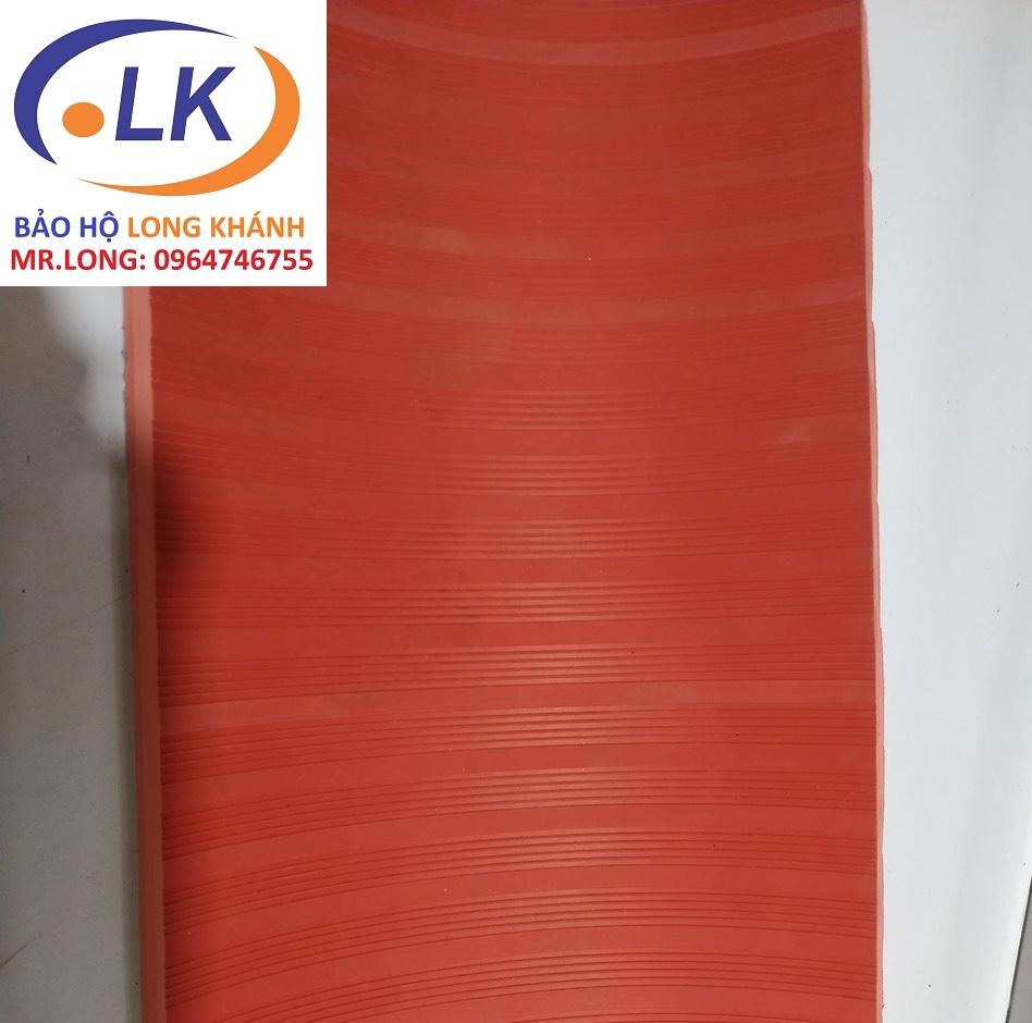 tham-cao-su-cach-dien-10kv-1m-x-0-65m