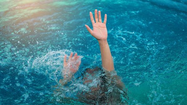Nằm mơ thấy người chết đuối có đáng lo ngại, cần bận tâm?
