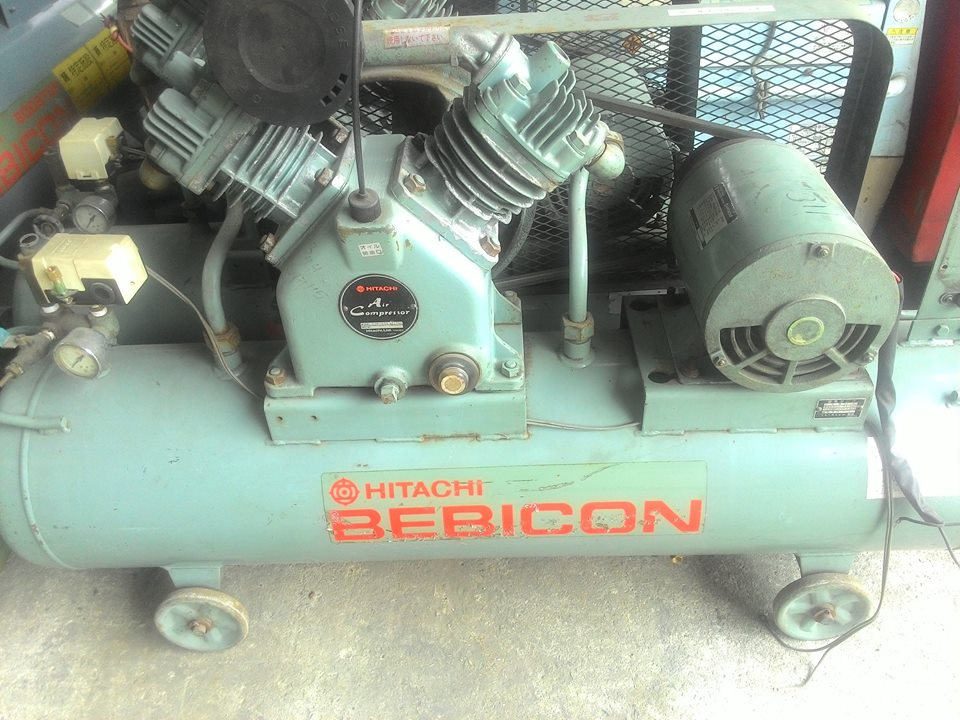 may-nen-khi-piston-co-dau-hitachi-2-2kw-3hp