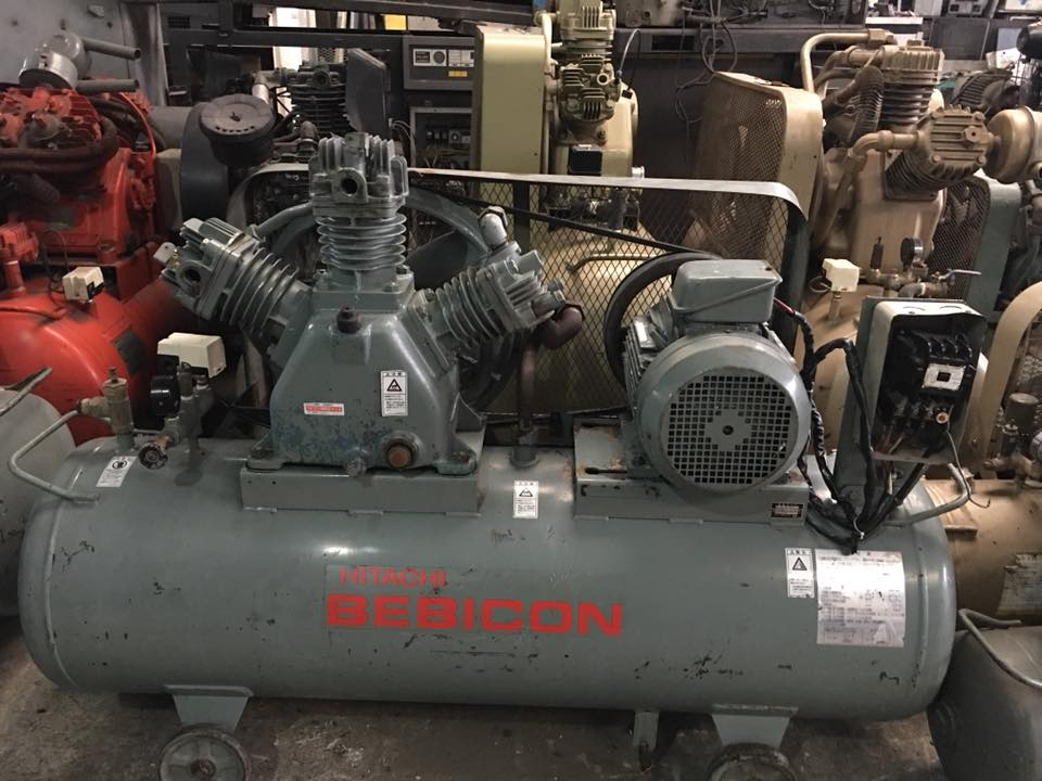 may-nen-khi-piston-co-dau-hitachi-3-7kw-5hp