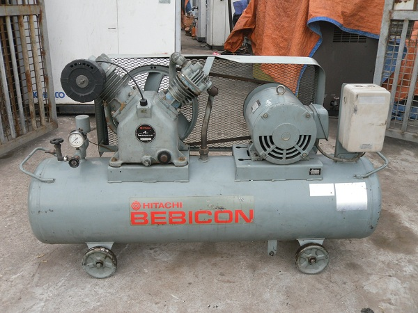 may-nen-khi-piston-co-dau-hitachi-5-5kw-7-5hp
