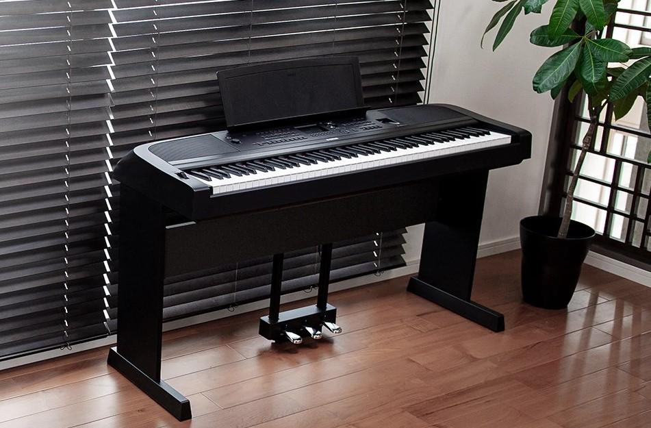 Mới, chính hãng- Đàn Piano điện YAMAHA DGX-670 có tiết tấu