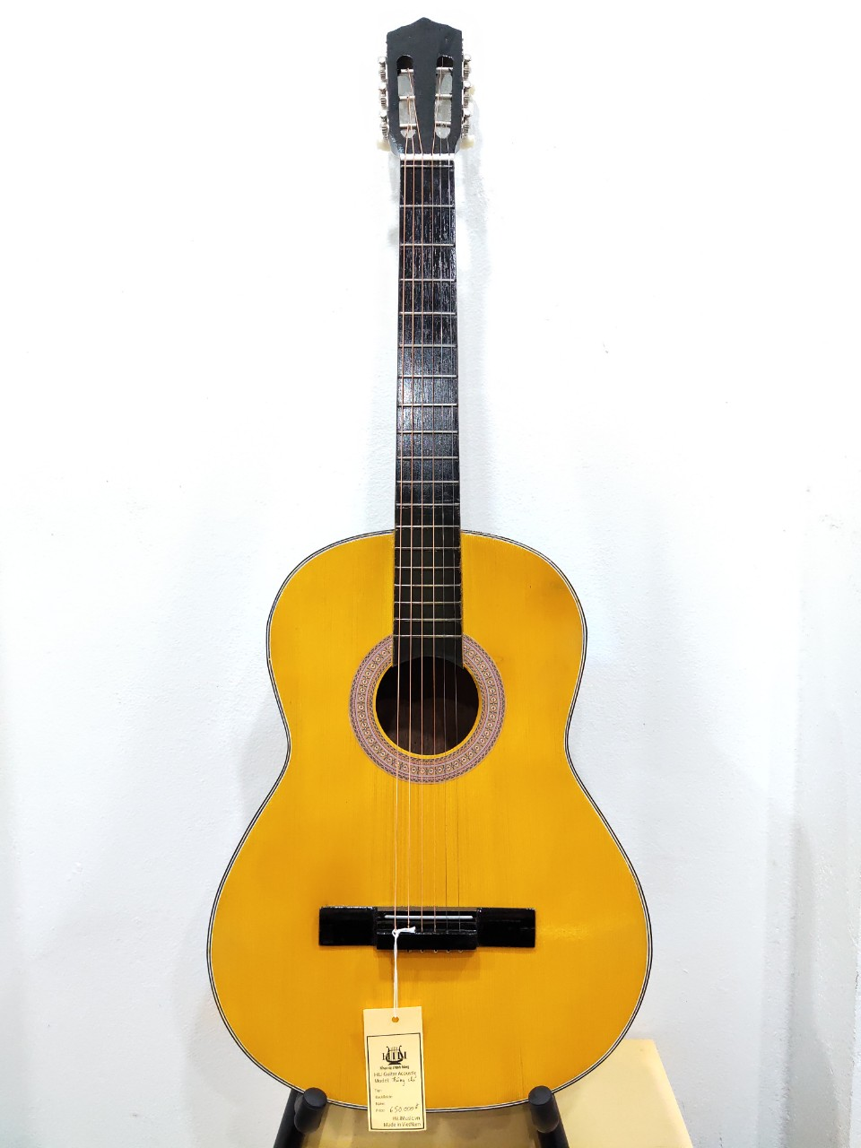 Đàn Guitar Thông Chỉ