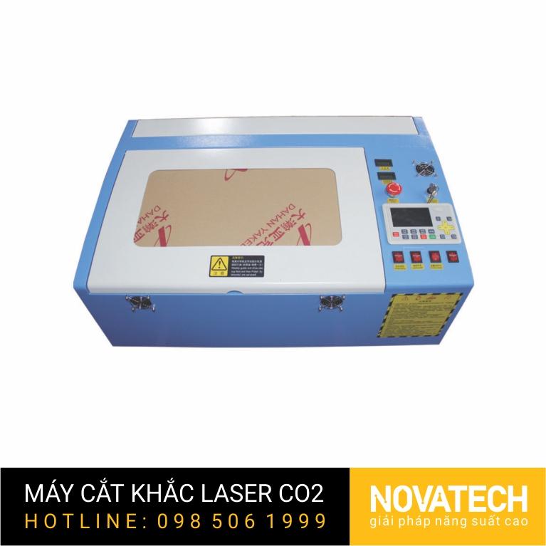 Máy cắt khắc laser CO2 3040