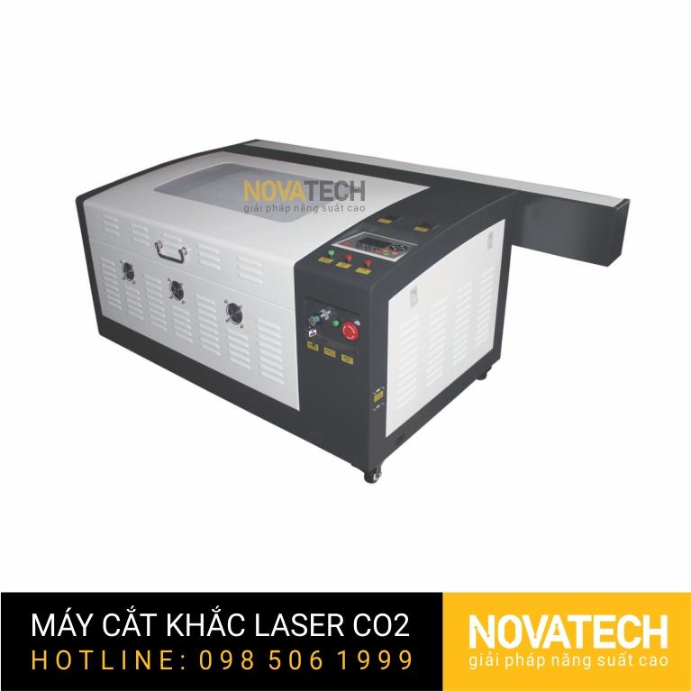 Máy cắt khắc laser CO2 4060