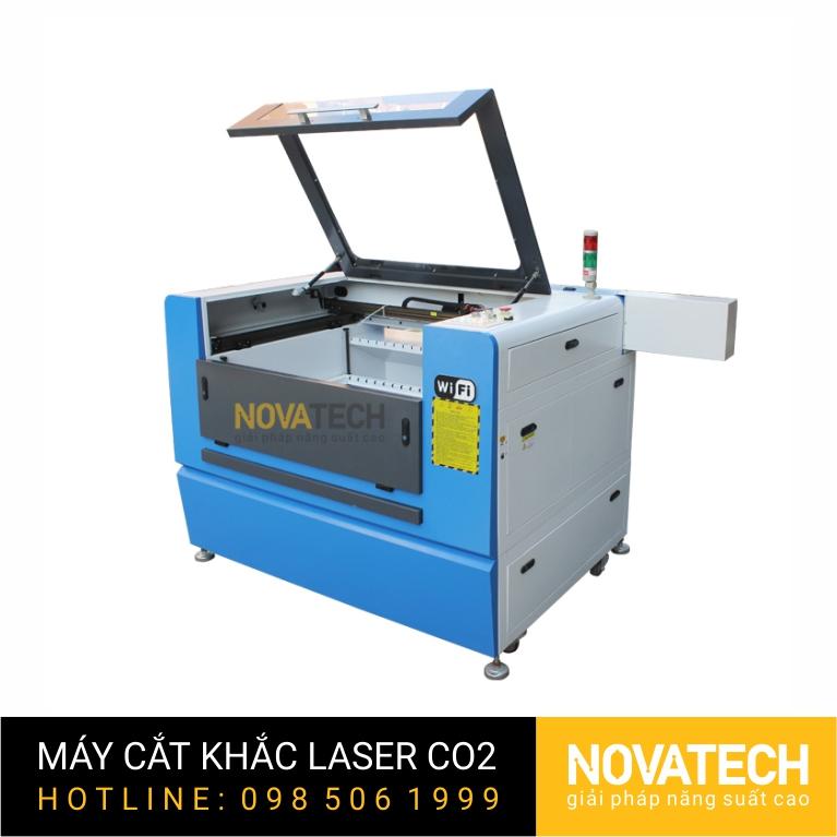 Máy cắt khắc laser CO2 6090L