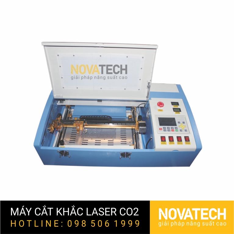 Máy cắt khắc laser CO2 3020