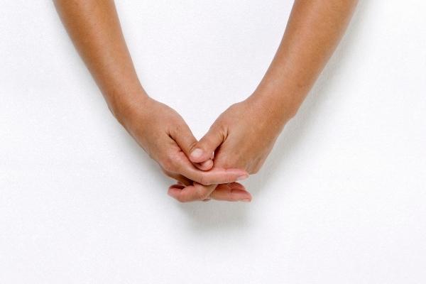 7 bài tập ngón tay thon dài và thu gọn cổ tay đơn giản hiệu quả