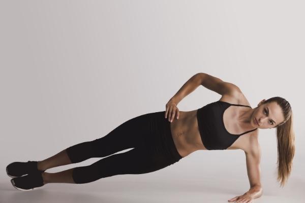 Plank đốt bao nhiêu calo? Có thể giảm cân bằng plank được không?