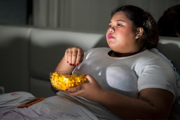 Tại sao ăn ít vẫn béo? đồ ăn vặt