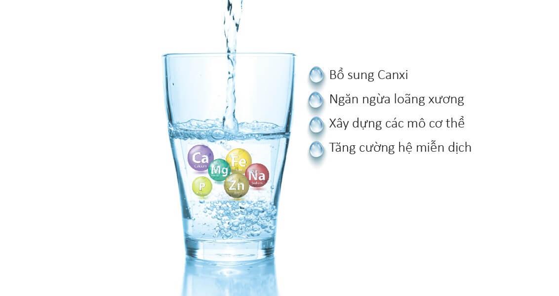 Nước ion kiềm giàu vi khoáng hơn các loại nước uống thông thường.
