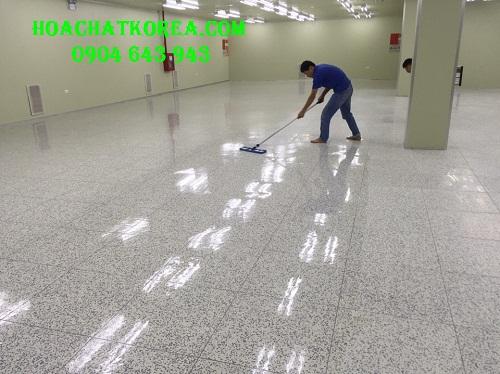 Thi công phủ bóng sàn chống tĩnh điện