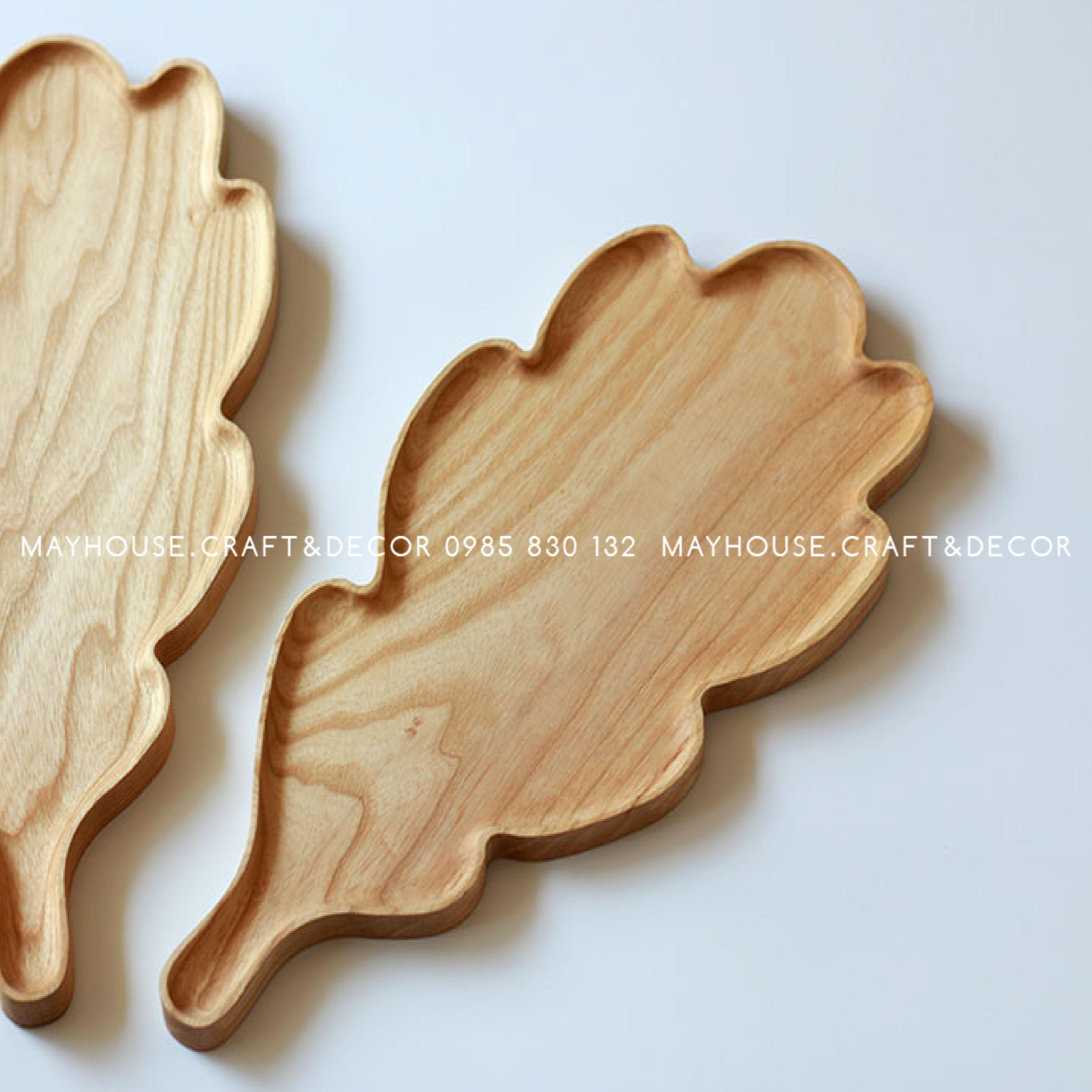 Khay gỗ tay cầm hình lá