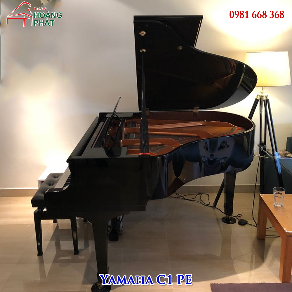 Grand Piano Yamaha C1 PE