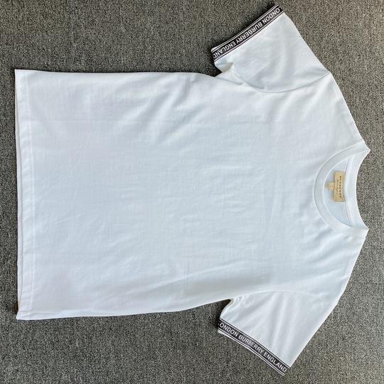 Áo phông Burberry chữ viền tay - Trắng